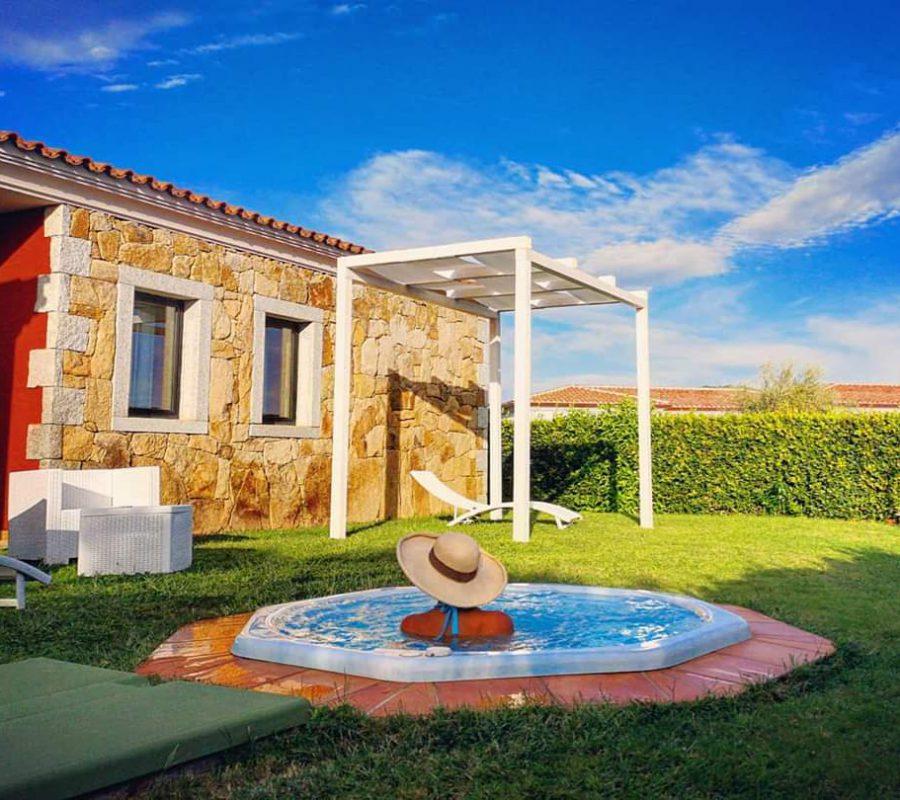 Jacuzzi Garden Villa